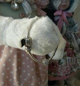 Браслет пандора с шармами и кольцо с бриллиантиком