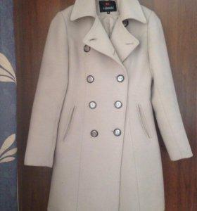 Приталенное пальто 42-44
