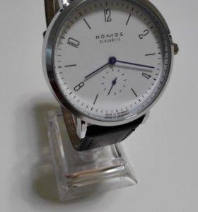Наручные часы Nomos