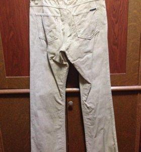 Белые вельветовые штаны