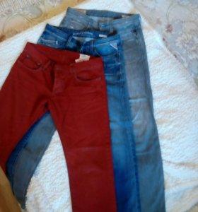 Мужские джинсы, 3 штуки. Размер 31-32