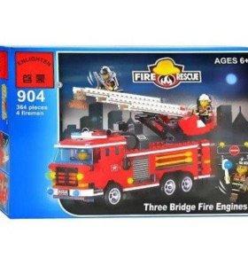 """Конструктор лего """"Пожарная машина с командой"""" 364д"""