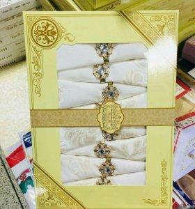 Скатерть с салфетками в подарочных упаковках