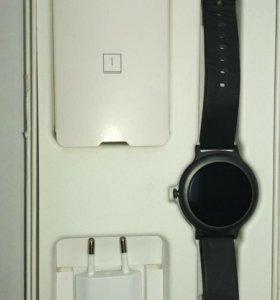 Смарт часы LG