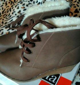 Зимние ботиночки,новые