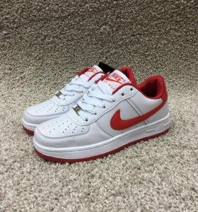 Новые кроссовки Nike air