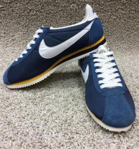 Новые кроссовки Nike Cortez