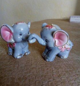 Фигурки, статуэтки Парочка слоников