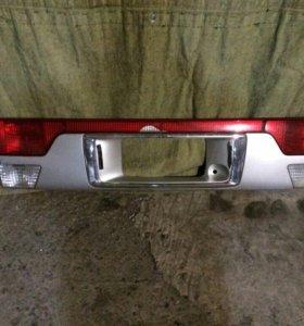 Накладка на дверь багажника Mazda bongo friende