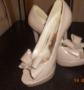Лаковые туфли.Р.38