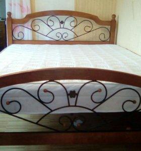 Кровать двуспальная, дерево.