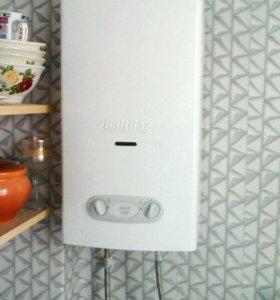 Аппарат водонагревательный проточный,газовый.