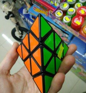 Кубик рубик пирамидка