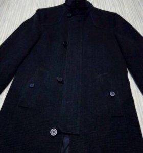 продаю пальто Donatto.