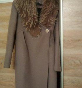 Зимнее пальто утепленное