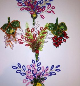 Магниты на холодильник, деревья и цветы из бисера
