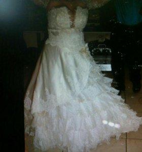 Шикарное свадебное платье на пышные формы