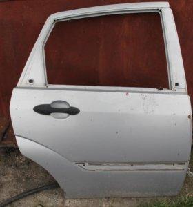 Задняя правая дверь Форд Фокус 1