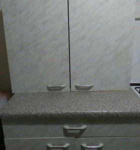 Стол и шкаф на кухню (кухонный гарнитур)