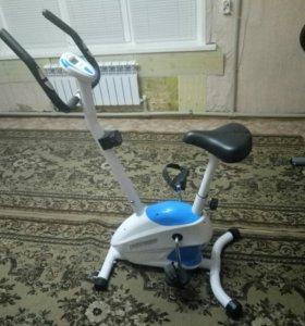 Велотренажер IRON BODY 7090BK-1 🚲