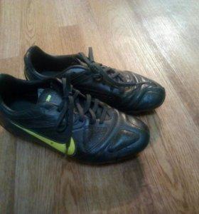 Бутсы Nike 37.5 размер