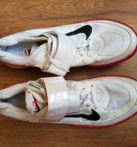 Шиповки для прыжков в высоту Nike