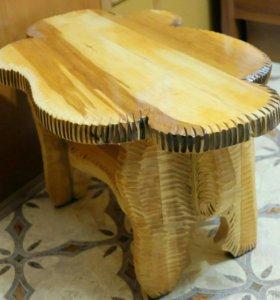 Столик из массива дерева
