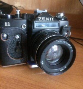 Фотоаппарат Зенит 11 со вспышкой Луч 70