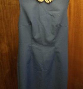 Платье футляр яркосинего цвета