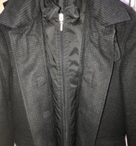 Зимнее мужское шерстяное пальто размер 48 Италия