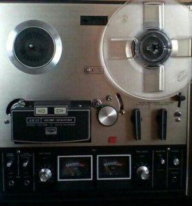 Магнитофон AKAI GX 210