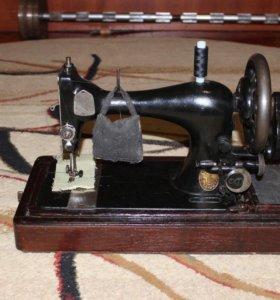 Швейная машинка Singer