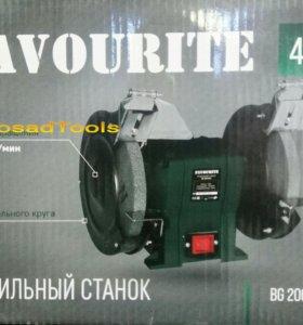 Точильный станок Favourite BG 200/450