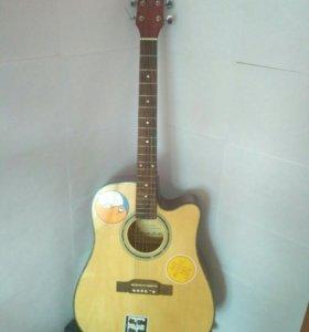 Продам фирменную гитару!