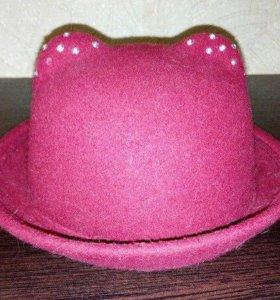 бордовая шляпка