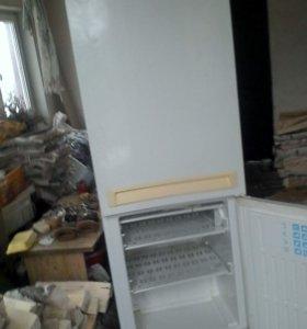 двухкамерный холодильник Стинол 105l
