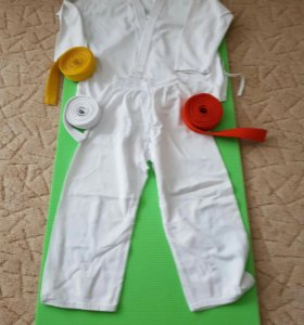 СРОЧНО продам кимоно GREEN HILL