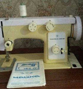 """Швейная машинка """"Чайка 142 М"""""""