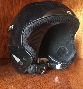 Шлем горнолыжника