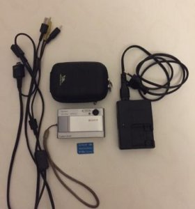Цифровой фотоаппарат Sony Cyber-Shot DSC-T10