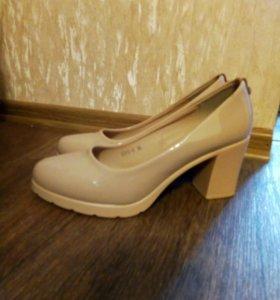 Туфли , сарафан