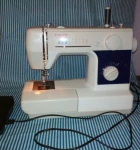 Электрическая швейная машинка Singer