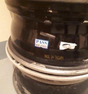 Продам литые диски R 15