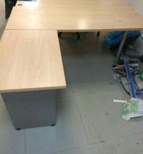 офисные столы 3 шт.