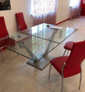 Итальянский стол и стулья