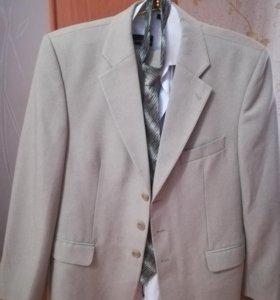 Мужской брендовый костюм