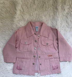 Розовый джинсовый костюмчик для девочки