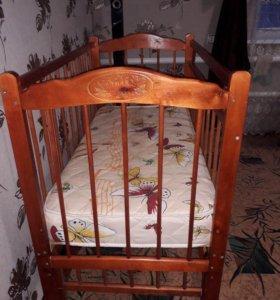 Кроватка-маятник. Матрас входит в стоимость