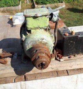 Двигатель с патроном для сверла
