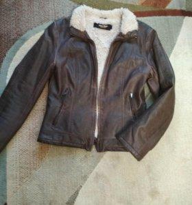 Куртка вес -осень
